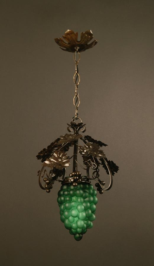 suspension art d co fer forg grappe de raisin lighting deco luminaires. Black Bedroom Furniture Sets. Home Design Ideas