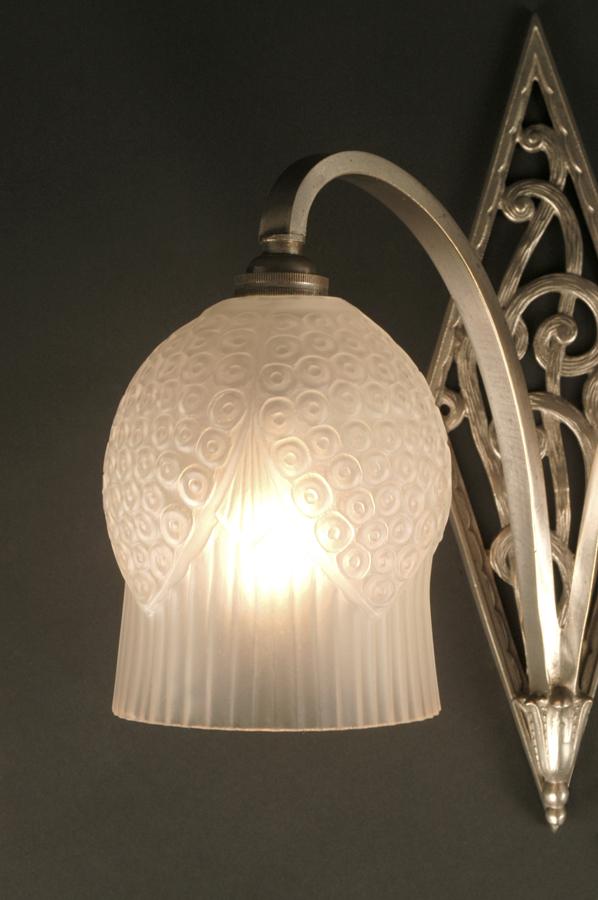 double applique art d co les muguets lighting deco. Black Bedroom Furniture Sets. Home Design Ideas